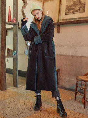 VVV브이브이브이 VVV BLACK FAUX SHEARLING COAT