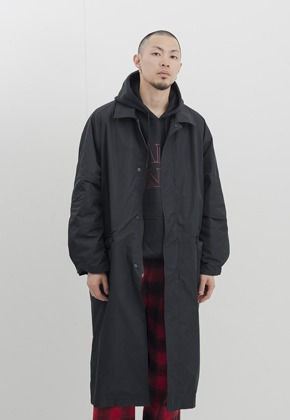 Gakuro가쿠로 Balmacaan Coat (Black)