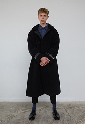 Muguet뮤게 [배우 김희찬 착용] Premium Line/ LONG FAUX MUSTANG COAT (BLACK)