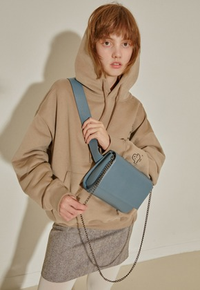 More or Less모어올레스 CAMPAIGN NAPPING HOOD TOP - BEIGE