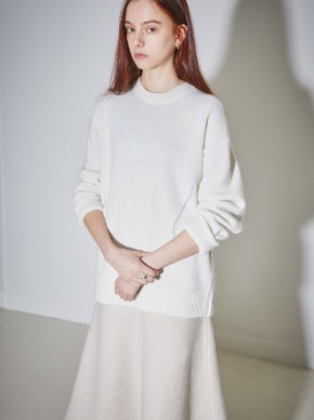 More or Less모어올레스 SIGNATURE DRAWING ANGORA KNIT - IVORY