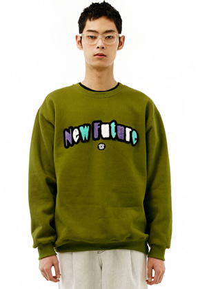 INNER CITY AUDIO이너시티오디오 UNISEX NEWFUTURE EMBROIDERY SWEATSHIRT OLIVE