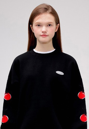 KIRSH키르시 MIDDLE CHERRY SWEATSHIRT IS [BLACK]