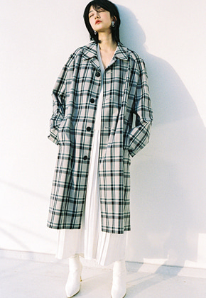 Raye Tog레이토그 RAGLAN SLEEVE VINTAGE CHECK COAT