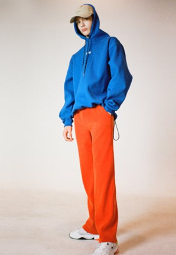 Evan Laforet에반라포레 [UNISEX] CORDUROY LOOSE FIT PANTS - ORANGE