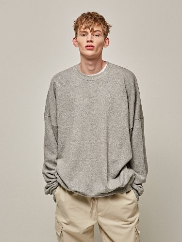 Yan13얀써틴 POINT OVER CREW NECK_GRAY