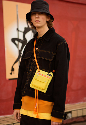 Anderssonbell앤더슨벨 UNISEX ANDERSSON ZIPPER MINI CROSS BAG aaa205u LIME