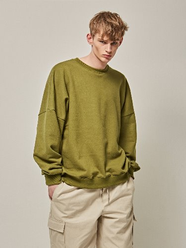 Yan13얀써틴 WONDER OVER CREW NECK_OLIVE