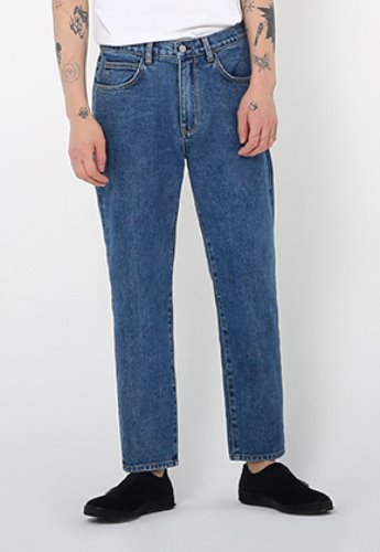 Ayoungcompany아영상사 Medium Wash Tapered Jeans