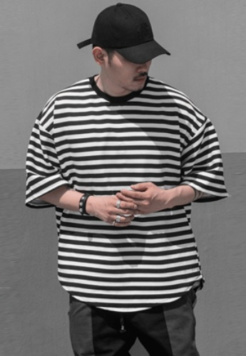 OMERTA오메르타 OMERTA Stripe Oversized Tee Black