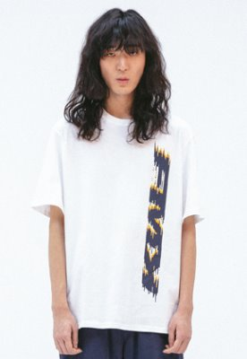 FROMMARK프롬마크 [FMK] FMK VERTICAL GRAPHIC T-SHIRT  WHITE