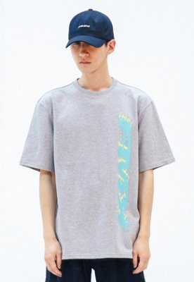FROMMARK프롬마크 [FMK] FMK VERTICAL GRAPHIC T-SHIRT  GREY