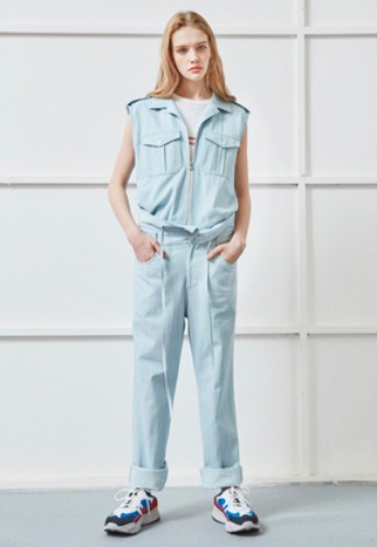 NOHANT노앙 SLEEVELESS FRONT ZIPPER DENIM JUMPSUIT SKYBLUE