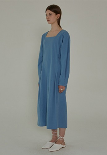 More or Less모어올레스 PIN TUCK LONG DRESS - BLUE