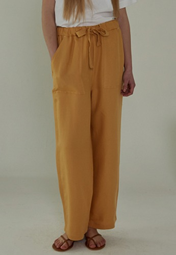More or Less모어올레스 STRAP DROP PANTS - YELLOW