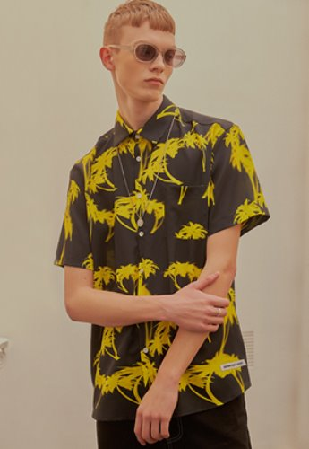 INNER CITY AUDIO이너시티오디오 (FAMILY EVENT) PALMTREE HALF SHIRT BLACK / YELLOW