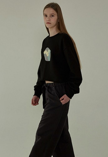 More or Less모어올레스 19SS CROP SWEATSHIRTS - BLACK
