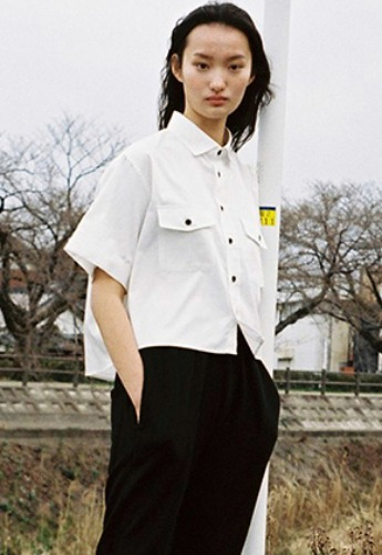 Vuiel뷔엘 CROPPED HALF SLEEVE SHIRT _ WHITE