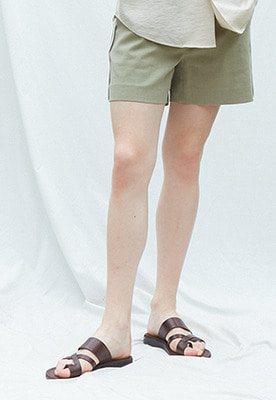 Muguet뮤게 SIDE POINT SHORT PANTS (KHAKI)