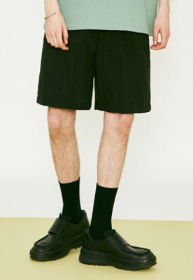 Voiebit브아빗 V272 BASIC NYLON WIDE HALF-PANTS BLACK