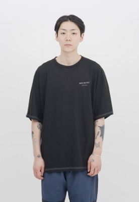 IDEAEND아이디어앤드 Baggy Tuck Half T Shirt (Black)