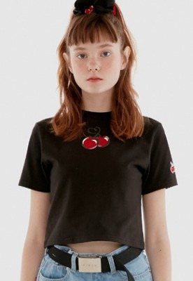 KIRSH키르시 HEART CHERRY CROPPED T-SHIRT IH [BLACK]