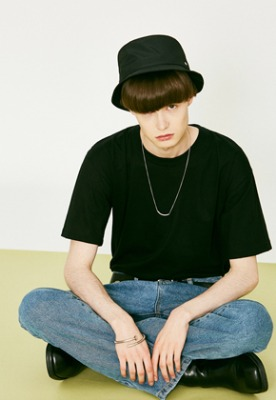Voiebit브아빗 V824 NYLON BUCKET HAT  BLACK