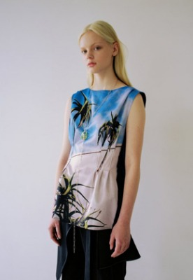 Anderssonbell앤더슨벨 SANTA MONICA PRINT SLEEVELESS BLOUSE atb325w(Blue)