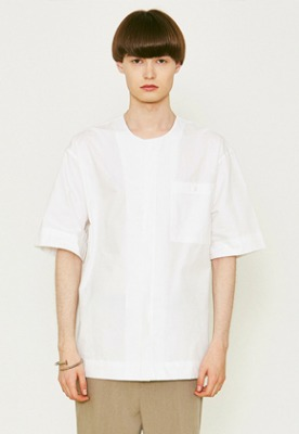 Voiebit브아빗 V455 POCKET ROUND HALF-SHIRTS  WHITE