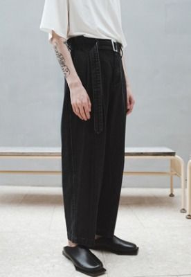 Ooparts오파츠 Two Pleats Denim Pants Black