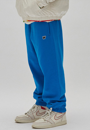 WKNDRS위캔더스 W LOGO SWEAT PANTS (BLUE)