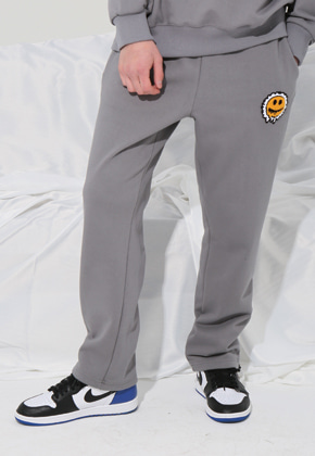 MISTER CHILD미스터차일드 (송민호 착용)SMILE NEEDLE CHAIN JOGGER PANTS (CEMENT)