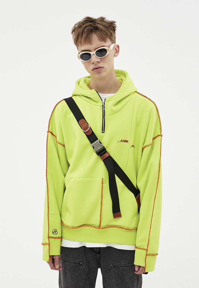 Anderssonbell앤더슨벨 ASYMMETRY STITCH POINT HOODIE atb264u(LIME)