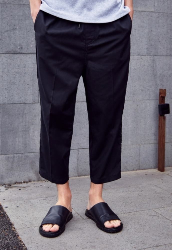 Garment lable가먼트레이블 Relaxed Crop Baggy Pants - Black