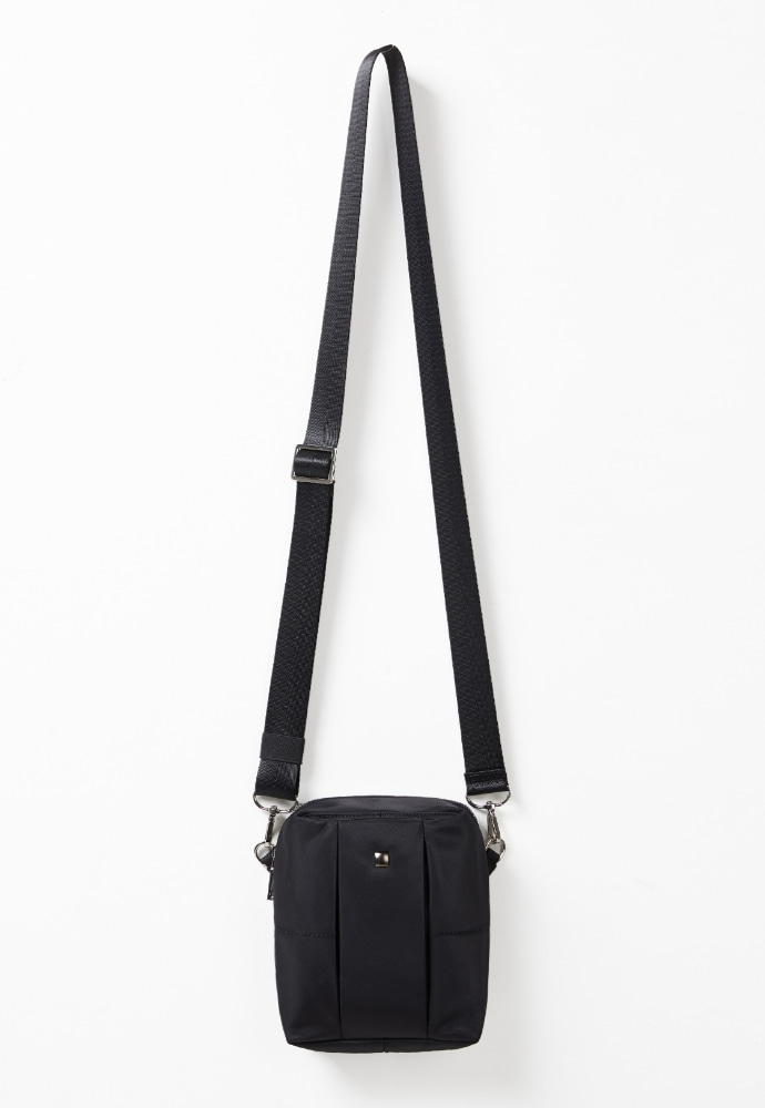 ADDOFF애드오프 Square Mini Bag - Black