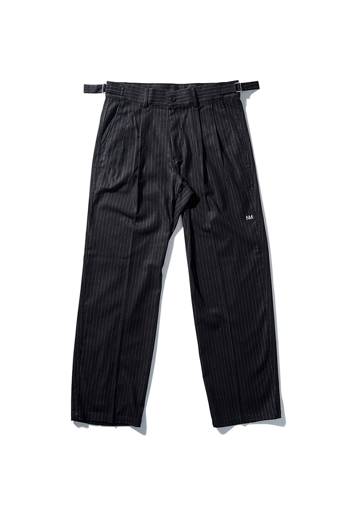 NOMANUAL노메뉴얼 STRIPED TUCK PANTS - BLACK