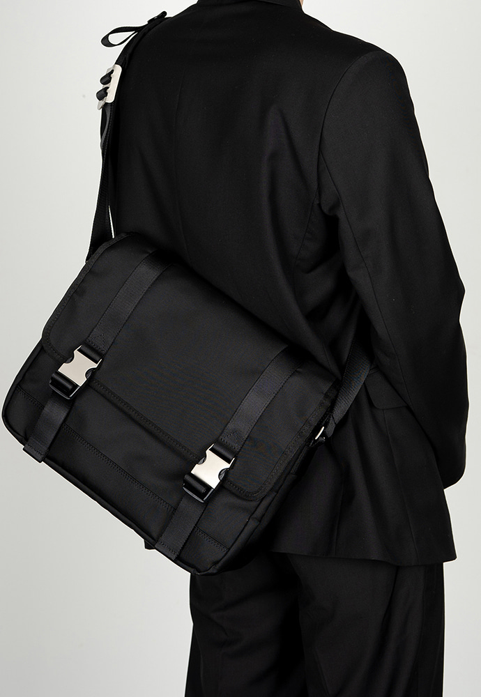 HAH ARCHIVE하 아카이브 2BUCKLE BLACK NYLON SHOULDER MESSANGER BAG