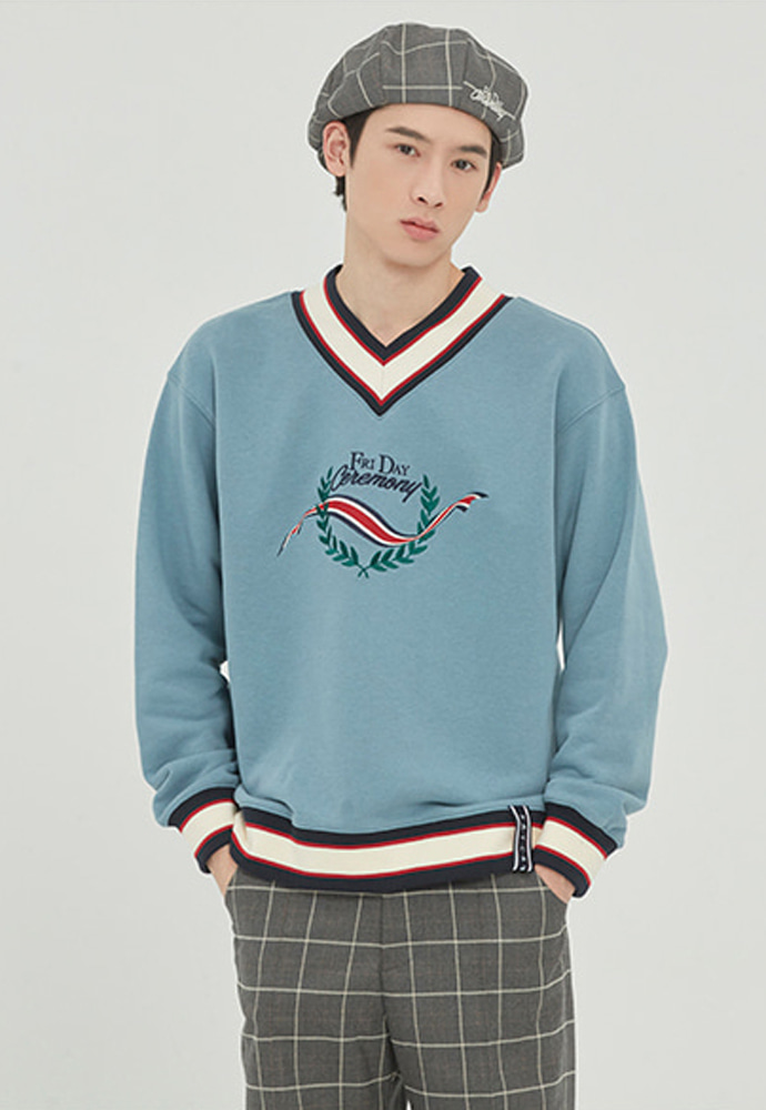 Romantic Crown로맨틱크라운 FRIDAY V NECK CREW NECK_LIGHT BLUE