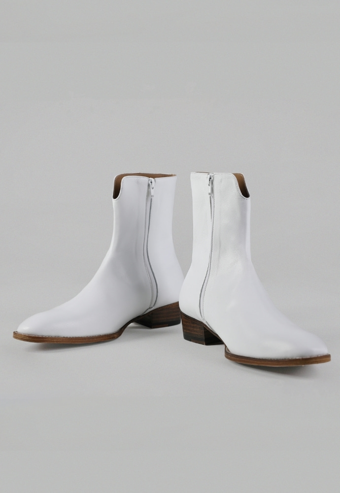 ADDOFF애드오프 ADDOFF X Bananafit Collab.02 Boots - White/Brown