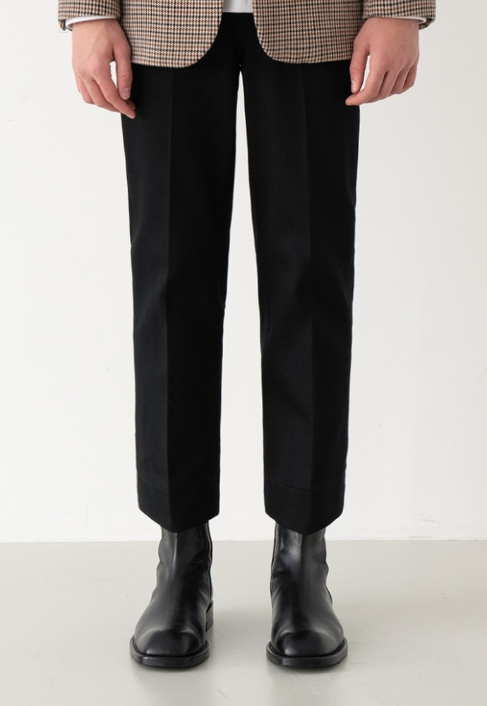 Garment lable가먼트레이블 GL  Stitch Jeans - Man in Black / Tapered