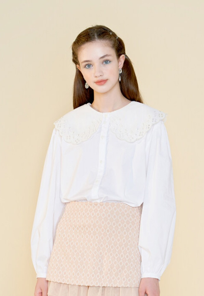 Margarin Fingers마가린핑거스 BIG COLLAR BLOUSE