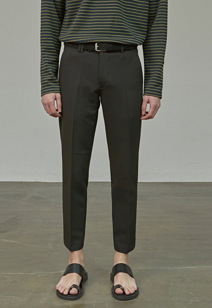 A.GLOWW에이글로우 MODERNITY STRAIGHT SLACKS_BLACK