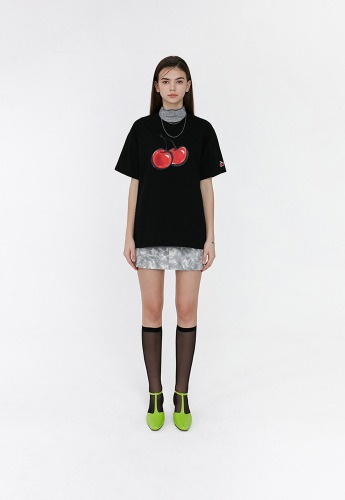 KIRSH키르시 3D BIG CHERRY T-SHIRTS JH [BLACK]