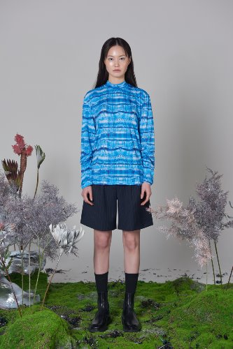 Bienkimiiye비안키미이예 Retrospective check longsleeve [OPAQUE BLUE]