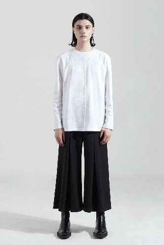 Bienkimiiye비안키미이예 Over cutting Long Sleeve (WHITE)