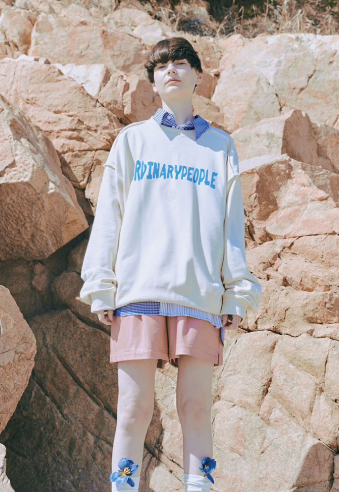 ORDINARY PEOPLE오디너리피플 DESTROYED SEAM-LINE CREAM SWEATSHIRTS