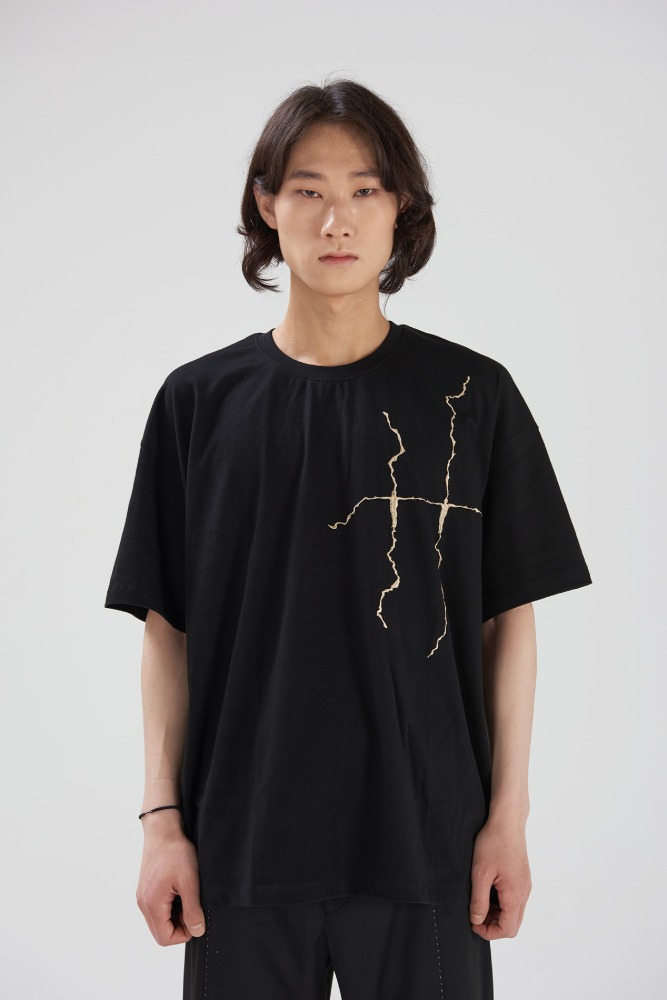 DOUBLE:L더블엘 HUMAN EMBROIDERY SHORT SLEEVES