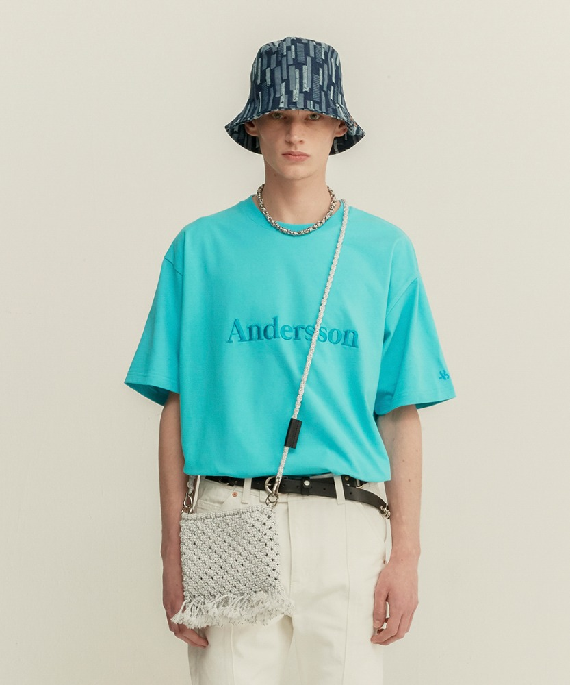 Anderssonbell앤더슨벨 UNISEX ANDERSSON SIGNATURE EMBROIDERY TEE atb211u(BLUE)20SS