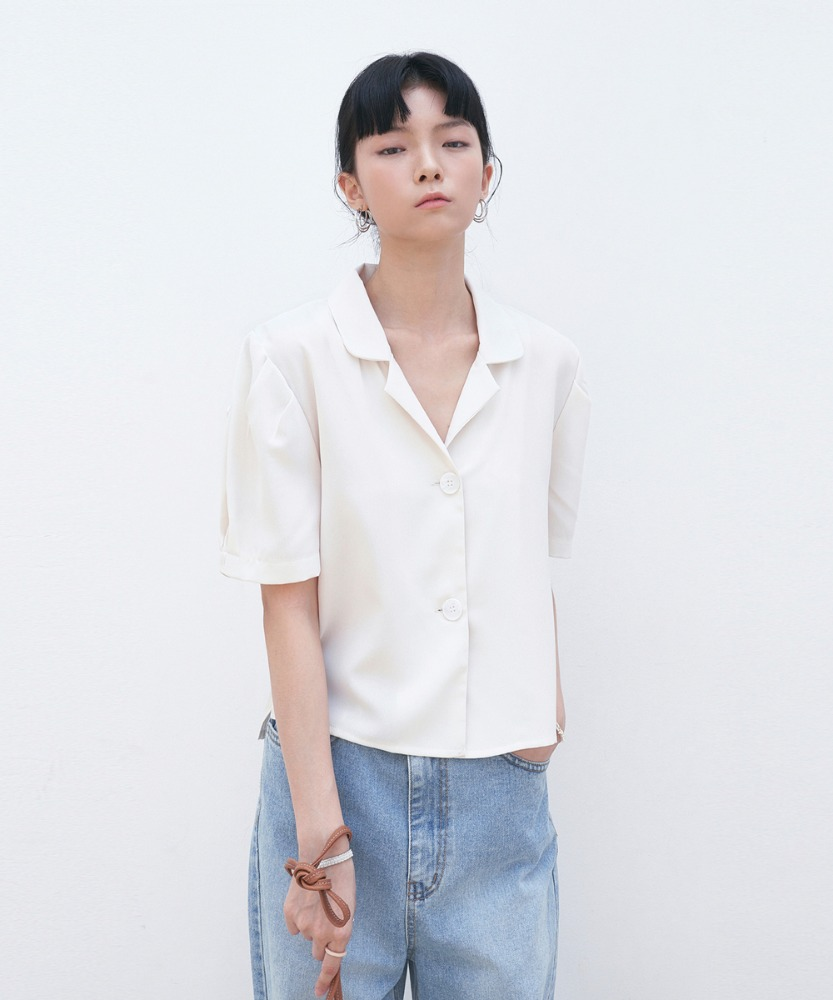 L'OEIL로에일 MINIMAL COLLAR CROP BLOUSE_BEIGE