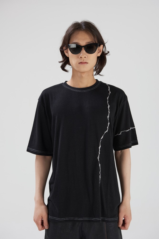 DOUBLE:L더블엘 CRACK EMBROIDERED SHORT SLEEVES